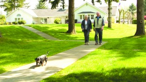 Photo - Detray's Colonial Inn residents enjoying the beautiful grounds